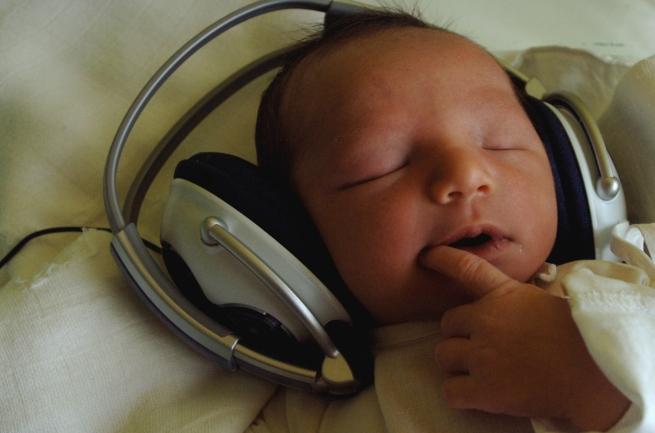 Come reagisce il cervello alla tua canzone preferita?