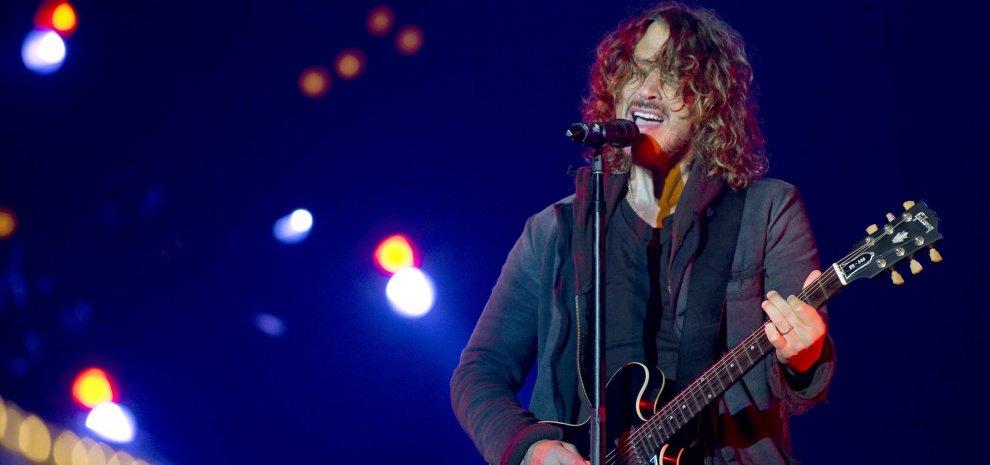 """Chris Cornell, la famiglia: """"Le sostanze potrebbero aver influenzato le sue azioni"""""""